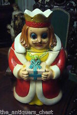 Vintage cookie jar, king on throne with a gift, rare[*]