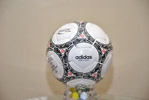 BID::Adidas Official Match-Ball of FIFA World Cup 1996 Leather Football Size 5.