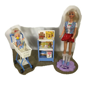 1995 Shoppin' Fun Barbie Doll and Kelly with Shopping Cart Groceries Food #15756