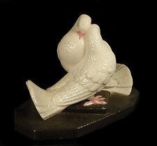 Colombes blanches art déco 1930 émail perlé Sèvres MNF white doves enamel pearl
