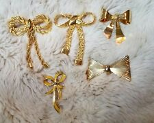 Lot of 5 Vintage Gold Tone Figural Bow Rope Chain Brooches Pins