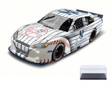 DIECAST CAR & CASE NEW YORK YANKEES 2012 FORD FUSION W/PIN LIONEL NASCAR 1/24