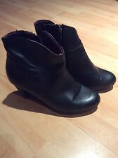 Ladies TAMARIS Black Leather Ankle Boot Size UK 4.5 EU 37