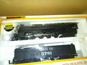 HO SCALE SANTA FE 4-8-4 STEAMER 3781 SMOKES A LOT