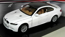 Motormax 1/24 Scale 73347S BMW M3 E92 White / Carbon roof Diecast model car
