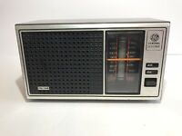 GE AM/FM Radio Vintage Retro Walnut Woodgrain Model 7-4115B General Electric