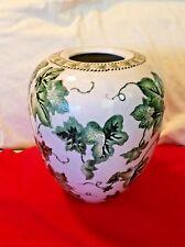 China Green White Porcelain Glaze Embossed Grape Pottery Vase Jar
