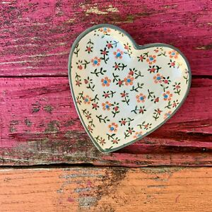 Heart floral dish