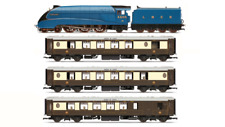 Hornby R3402 LNER Queen of Scots A4 + 3 Pullmans Train Pack Limited Edition OO