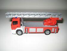 Herpa H0 044332 - Camión de bomberos MB Atengo DLK FW