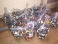 1kg Lego & 5 Minifigs Bricks parts Job lot Great condition Starter Kit Christmas