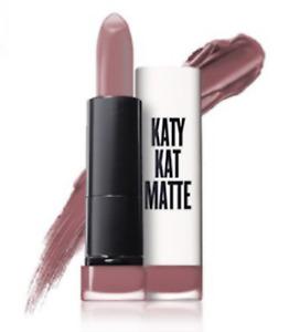 1 COVERGIRL Katy Kat Matte Lipstick KP10 CATOURE TRICOT-GRIFFES *SEALED*