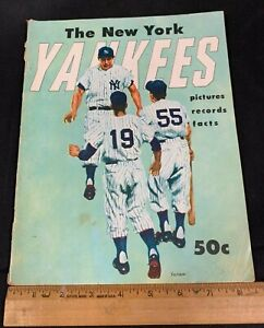 1955 VINTAGE NEW YORK YANKEES BASEBALL YEARBOOK *PICTURES/RECORDS/FACTS*