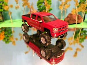 1/64 Custom Lifted, 2015 Chevy Silverado 1500, Extended Crew Cab, G5 Lift Kit