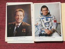 13 autographs of Soviet cosmonaut