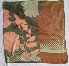 Beau Foulard GUY LAROCHE  100% soie  TBEG  vintage scarf  A saisir