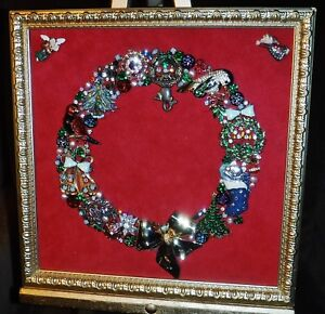 Vintage Jewelry Art Christmas Wreath