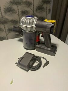 Dyson V6 Cordless handheld Vacuum Cleaner Unit and charger only - works well