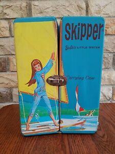 1964 VINTAGE SKIPPER BLUE SAILBOAT GRAPHIC CARRYING CASE