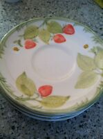 """Mid Century Federal Glass Set Of 4 Saucer Plates Strawberries USA Excellent 6"""""""