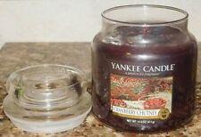 Candele e lumini rossi Yankee Candle per la decorazione della casa
