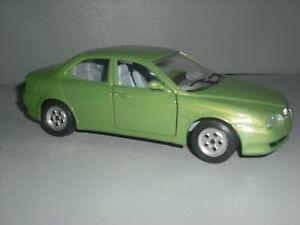 Bburago Alfa Romeo 156 metallic lime green 1/24th scale