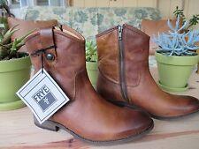 Frye Womens Boots: Melissa Button Short Congnac, size 9