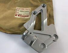 Supporto pedana ant. Dx - Holder Step Fr. RH - Kawasaki ZX600 NOS: 35011-1345