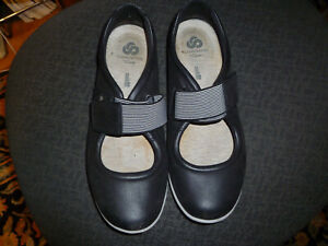 Clark's (Black Leather 10-M) Ladies MaryJane Cloudstepper Cushion comfort shoes.