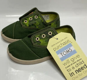 TOMS Green Animal Camo Canvas Shoes Sneakers Toddler 9 Tiny Cordones 9T