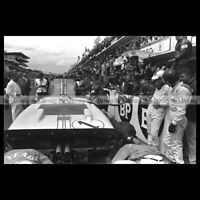 #pha.034377 Photo KEN MILES DENNY HULME CARROLL SHELBY FORD GT40 LE MANS 1966