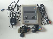 Super Nintendo Entertainment System SNES + 2 Controller