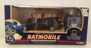 CORGI Batmobile 1960's DC Comics 1:24 Scale BOXED with BATCOMMUNICATOR. Large