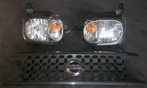 NISSAN Z11 CUBE face lift late model halogen headlight pair and grill sec/h #7