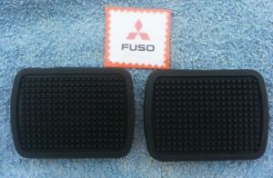 Mitsubishi Fuso T650 FK102 Truck Brake and Clutch Pedal Rubber Pads pair new