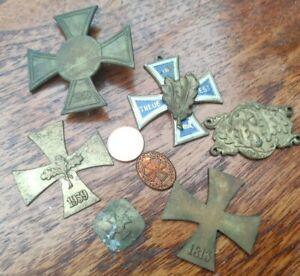 Konvolut alte Abzeichen Orden Kreuz mit Eichenlaub  diverse Größen WK1 bis 50er