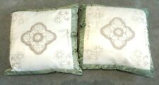 BEAUTIFUL PAIR OF THROW PILLOWS, CREAM AND GREEN