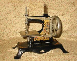 Antique CASIGE Wood Handle Cast Metal Toy Sewing Machine Hansel & Gretel Germany