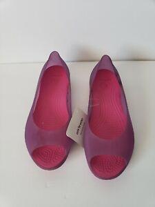 Crocs Purple Slip On Flat  Open Toe  Womens Shoes Size 6 Summer Beach