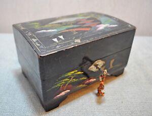 Originale Vintage Mano Crafted Legno Lacca Dipinto Giapponese Portagioie Musica