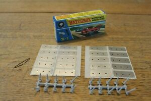 MATCHBOX MOTORWAY ACCESSORIES X-1 20 PINS GREY 20 STICKERS 1 CLIP BOXED