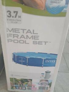 Intex Metal Frame 366x76 Piscina Fuoriterra con Pompa Filtro 28212