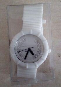 HIP HOP orologio bianco con cristallini dimensioni con cinturino 19 cm usato