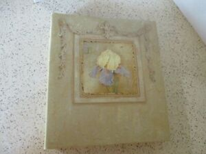 """PHOTO ALBUM, IRIS COVER BY KATHRYN WHITE, EXPANDABLE, HOLDS 100 6""""X4"""" PHOTOS,NOS"""