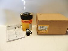 ENERPAC RCH-302 HOLLOW CYLINDER 30 HOLLOW RAM 2.5 IN STROKE NEW IN BOX