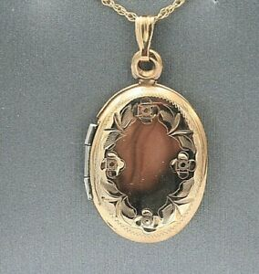 Oval Locket Pendant Necklace 14K Gold Holds Pictures Rope Chain Engravable