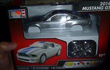 REVELL 2014 FORD MUSTANG GT SILVER 1/25 MODEL CAR MOUNTAIN KIT 1/25 fs