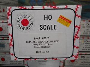HO Stewart New Jersey Central F3 Phase II Early A/B Diesel Locomotive Set CNJ