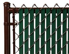 Chain Link Green Double Wall Tube™ Privacy Slat For 4ft High Fence Bottom Lock