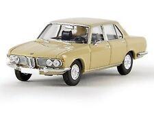 Brekina 13601 BMW 2500 beige Starmada  1:87 Neu